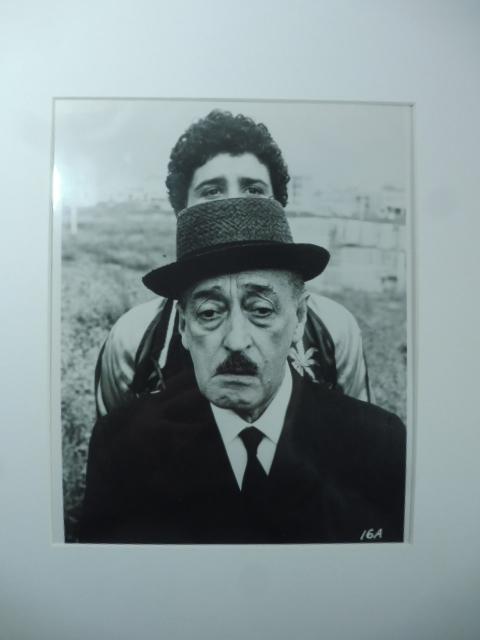 Totò e Ninetto Davoli in Uccellacci e uccellini di Pier Paolo Pasolini. (Fotografia originale vintage)